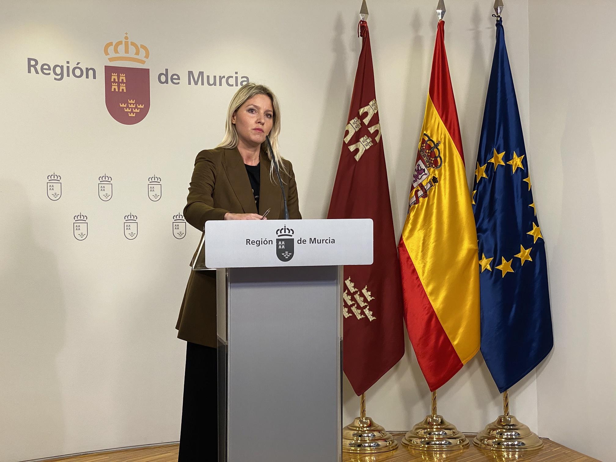 La portavoz del Ejecutivo regional, Ana Martínez Vidal, compareció hoy en rueda de prensa para informar de los asuntos tratados en la reunión del Consejo de Gobierno. Imagen: CARM