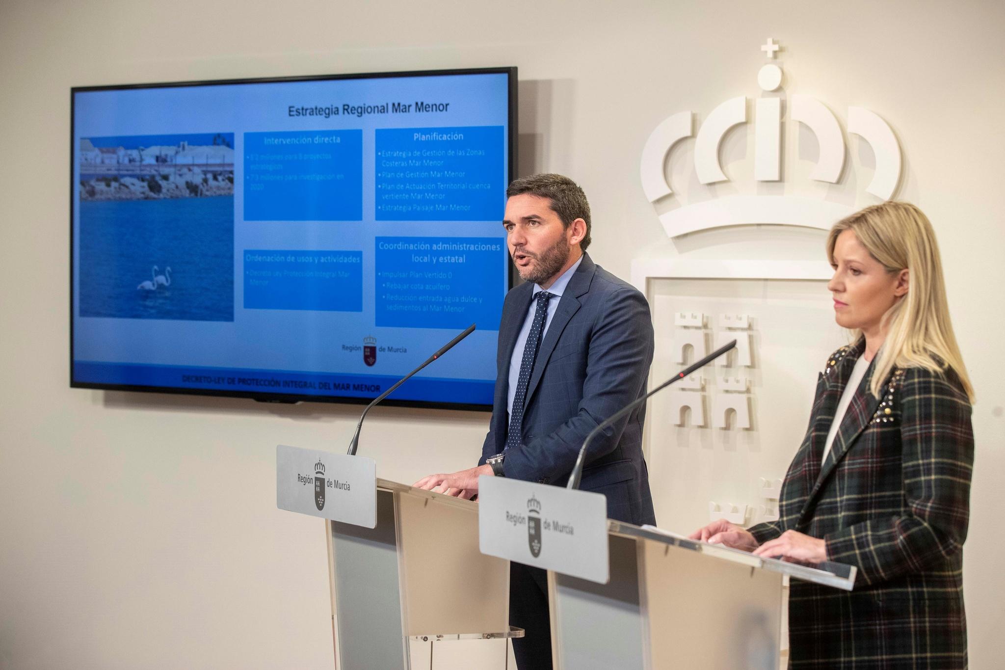 Un momento de la rueda de prensa del Consejo de Gobierno. Imagen: CARM