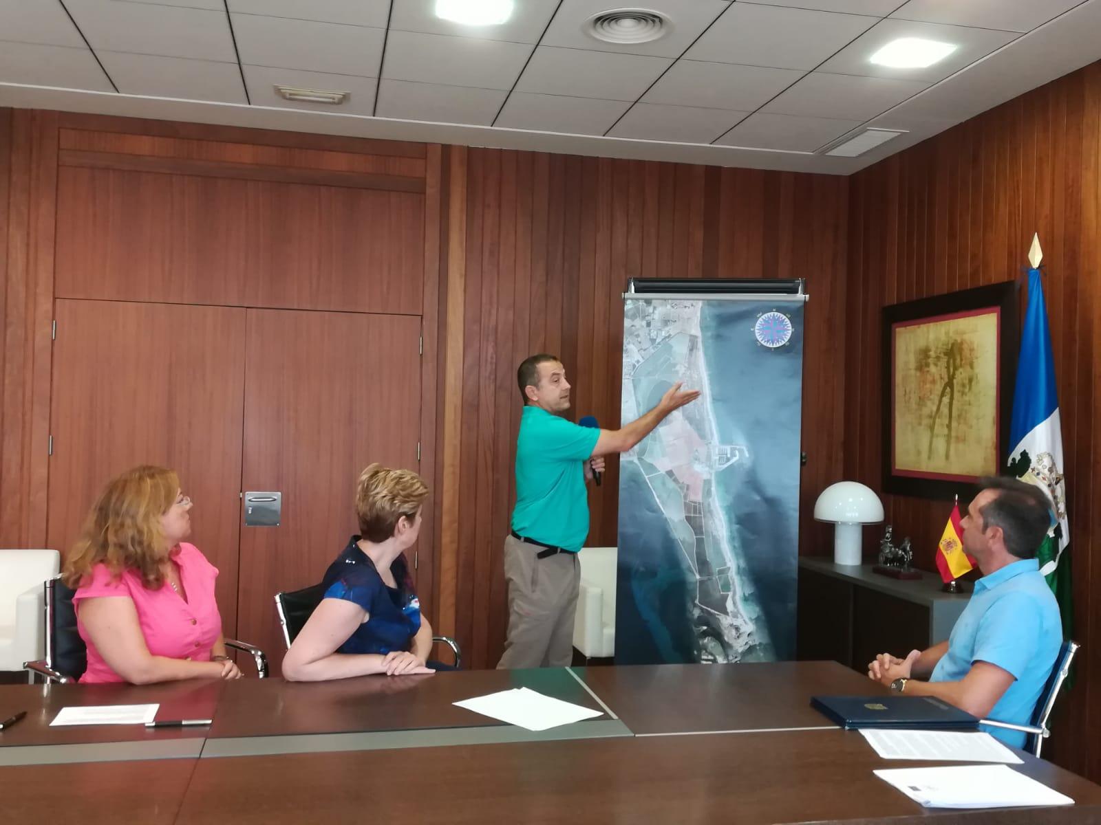 La directora general de Medio Natural, Consuelo Rosauro, durante la presentación del proyecto europeo LIFE-Salinas. Imagen: CARM