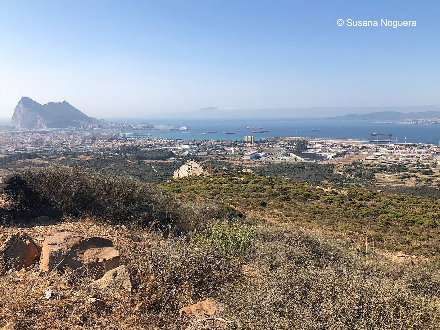 Bahía de Algeciras desde Sierra Carbonera. A la izquierda, el Peñón. Imagen: Susana Noguera