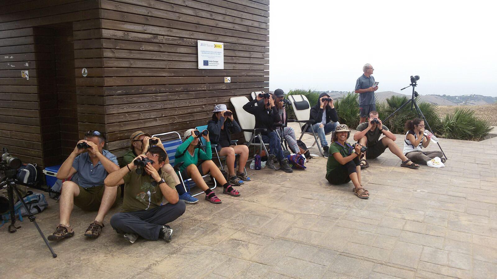 Voluntarios de COCN en el Estrecho