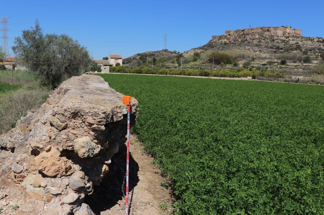 La cisterna medieval de Monteagudo tiene una doble protección legal: es Bien de Interés Cultural y está catalogado por el planeamiento municipal. Imagen: Huermur