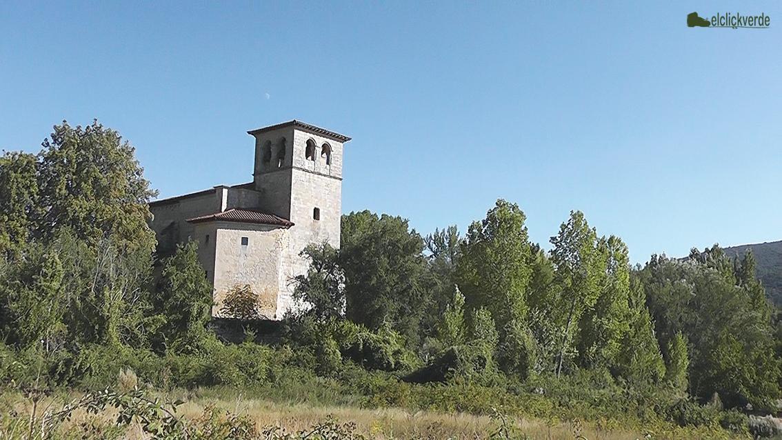Foto: casonas y torres vigía de los senderos salpican el valle
