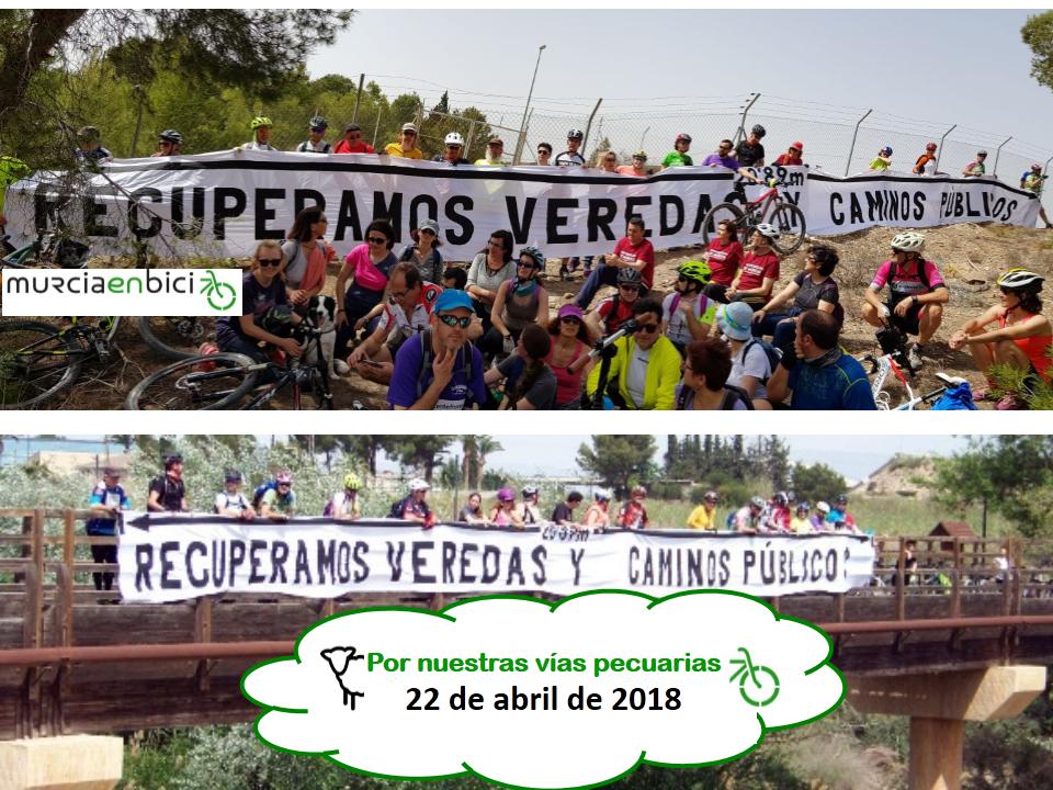 Los participantes, con una pancarta cuya longitud coincide con el ancho que mide una vereda. Imagen: MurciaenBici