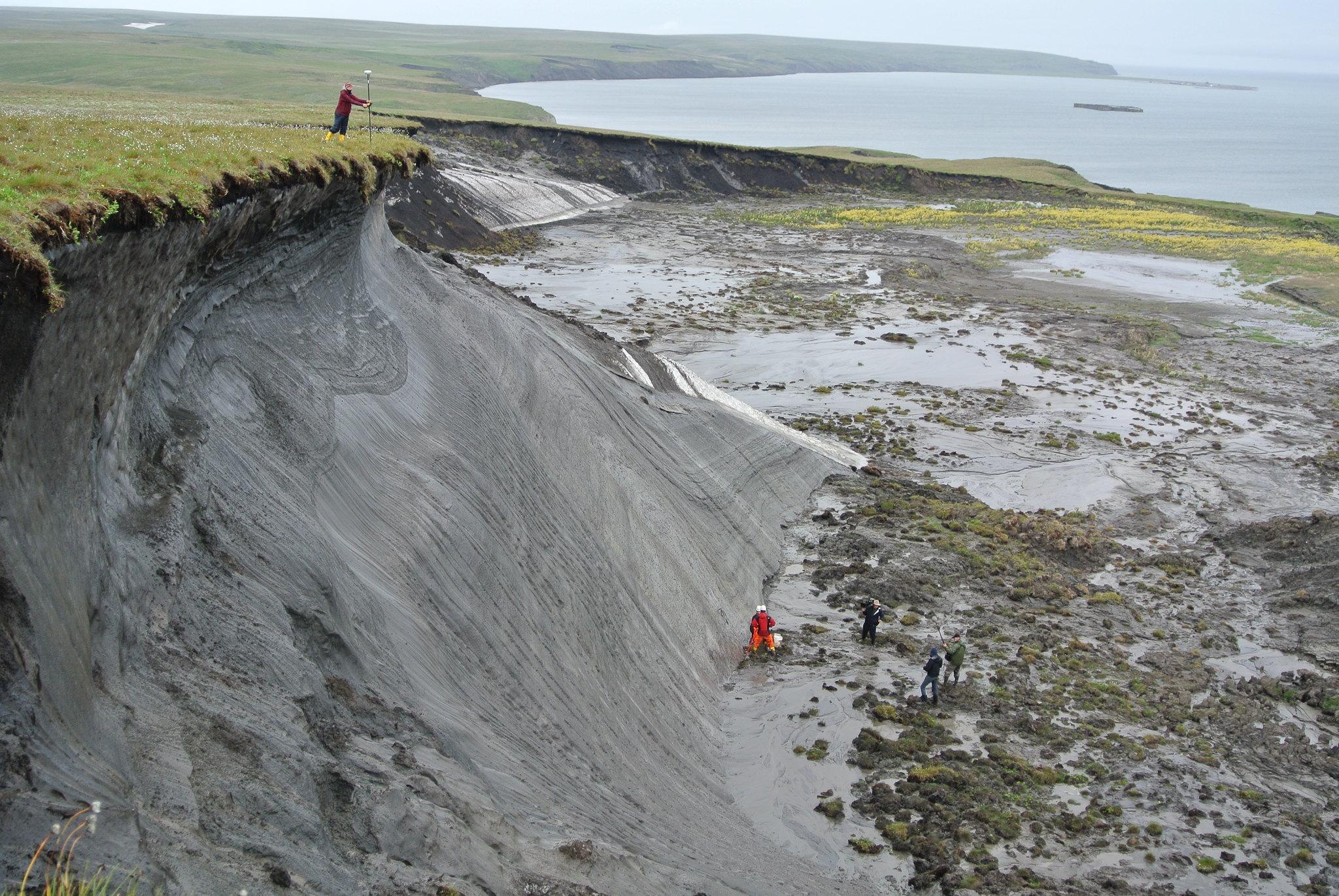 El paisaje de la isla Herschel (Canadá) muestra signos del deshielo del 'permafrost'. Imagen: Boris Radosavljevic / CSIC