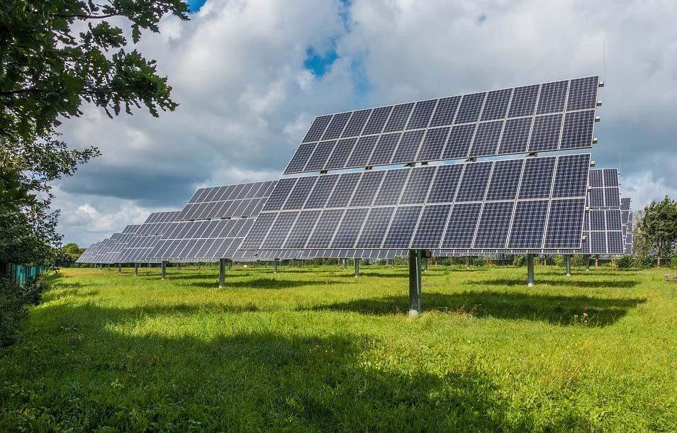 El mapa se acompaña de una instrucción que facilite la correcta integración de los proyectos solares con el paisaje. Imagen: Pixabay