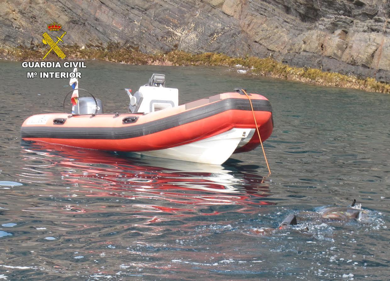 La embarcación del presunto infractor. Imagen: Guardia Civil de la Región de Murcia