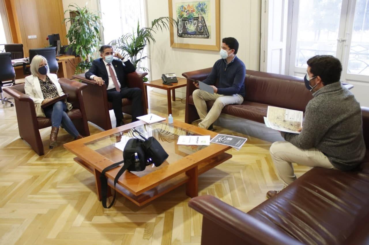 Reunión con el alcalde. Imagen: Huermur