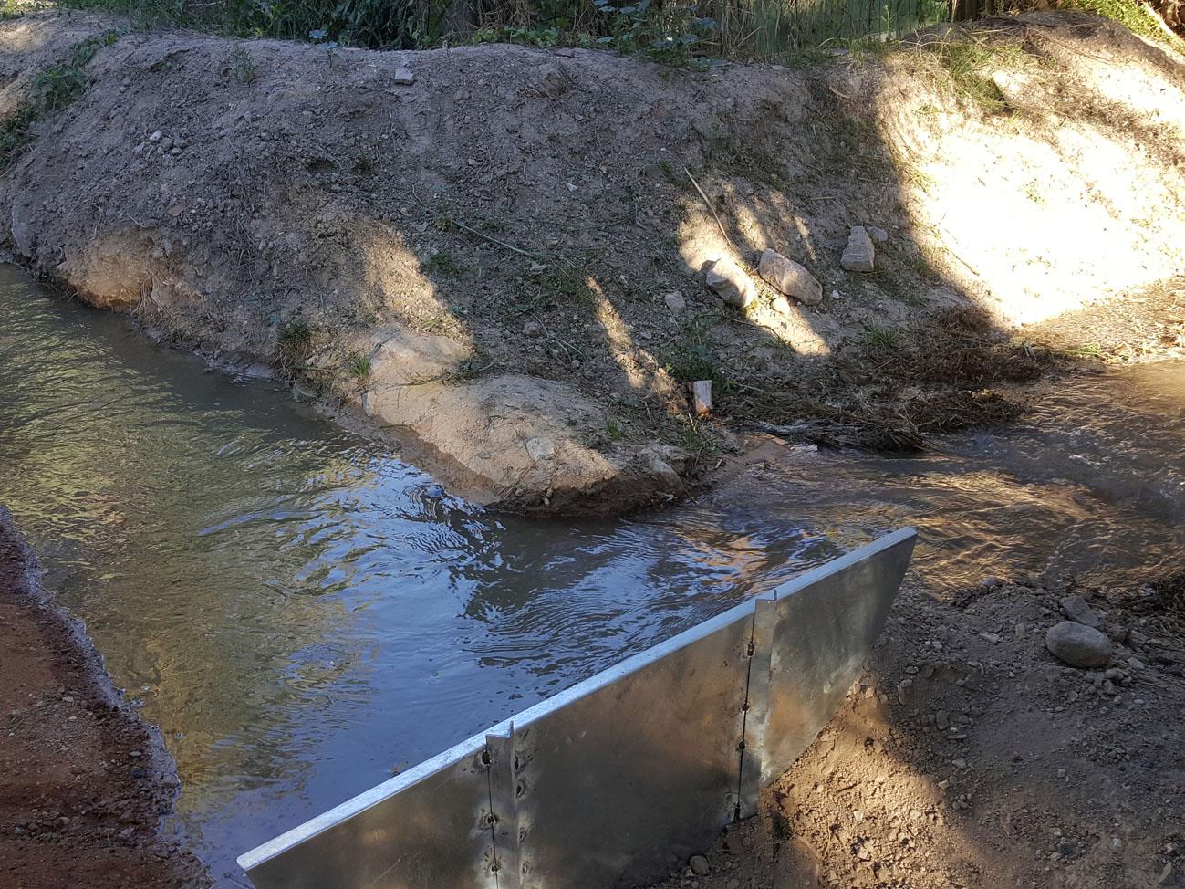 El agua por las acequias, un sistema tradicional de riego de la Huerta de Murcia. Imagen: Ayuntamiento de Murcia